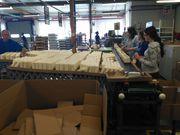 Рабочие на фабрику декоративных свечей в Польшу